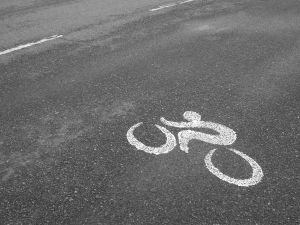 Rowerzyści bardziej bezpieczni na drodze