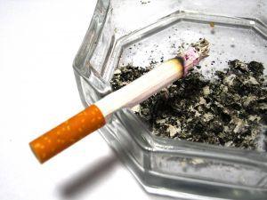 Unia wprowadzi samogasnące papierosy